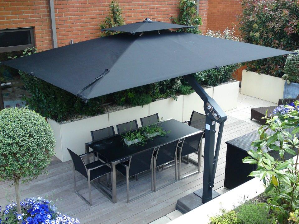 Piazza Side Arm Parasol - Wells Umbrellas