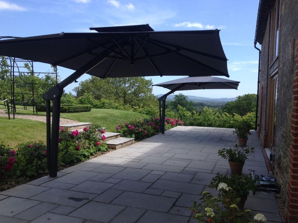 53e9577da8 Poggesi Toscana Large Cantilever Garden Parasol