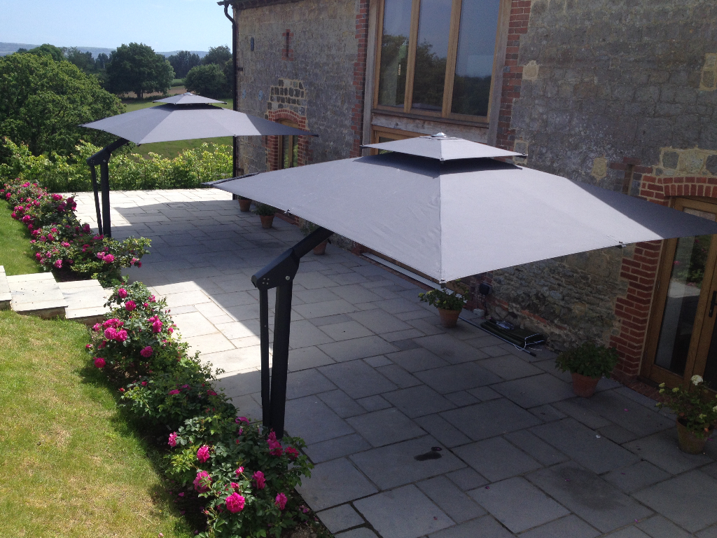 Piazza side arm cantilever garden parasol for Outdoor landscaping