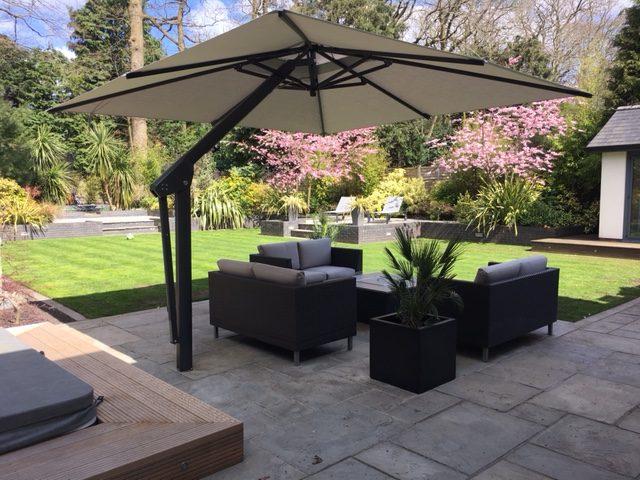 Poggesi Piazza Side Arm Cantilever Garden Parasol