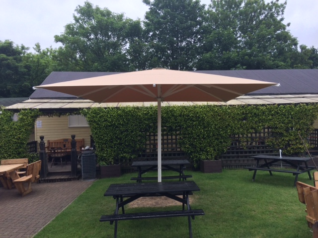 Large Heated Parasol for Pub Garden